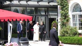 Pape François: Echange de cadeaux à l'Institut oecuménique de Bossey