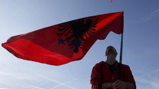 Coupe du monde 2018: drapeau du Kosovo brûlé à Zurich et fan albanais agressé à Bâle après le match
