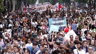 France: 250'000 manifestants dans les rues contre la politique de Macron