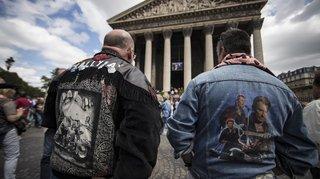 """France: à Paris, l'hommage des fans pour """"les 75 ans"""" de Johnny"""