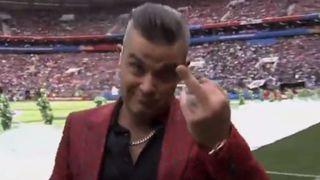 Coupe du monde 2018: Robbie Williams fait un doigt d'honneur en ouverture