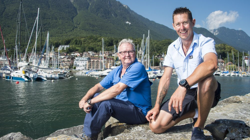 Xavier Haenni (à droite) peut compter sur les conseils de Philippe Chappaz, garde-port depuis trente-quatre ans, pour assumer ce rôle unique en Valais.