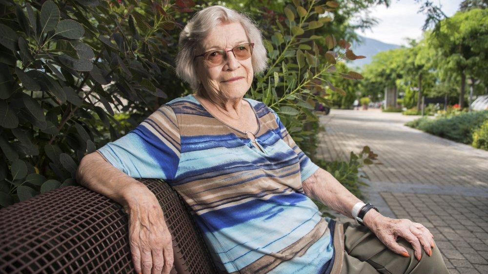 Noëlle Becquelin témoigne de ses dix-sept ans de combat judiciaire pour l'égalité salariale.