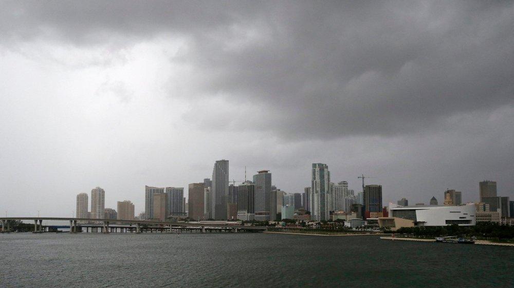 Ce ne sont pas les tempêtes qui menacent d'inonder Miami et une grande partie de la Floride, mais bien les marées, toujours plus hautes.