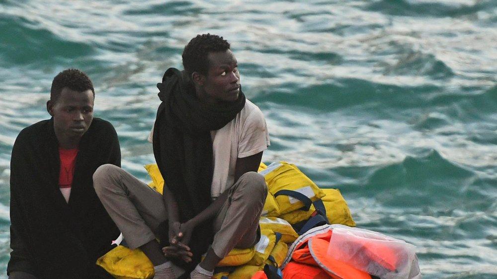 Le compromis adoptépar les Vingt-Huit vise à réduire les afflux de migrants clandestins dans l'Union européenne.