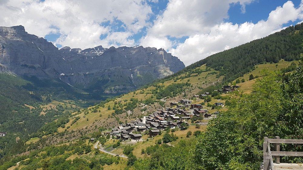 La commune d'Albinen n'est habitée que par 240 personnes.