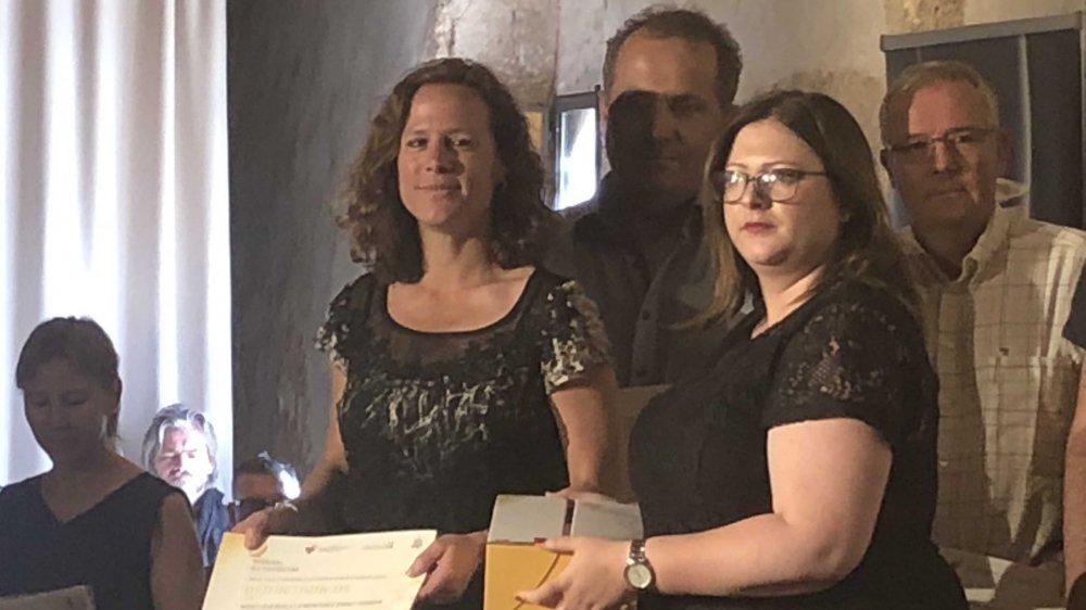Sylvie Camandona (à gauche) a reçu le 1er prix du Mondial du Chasselas.