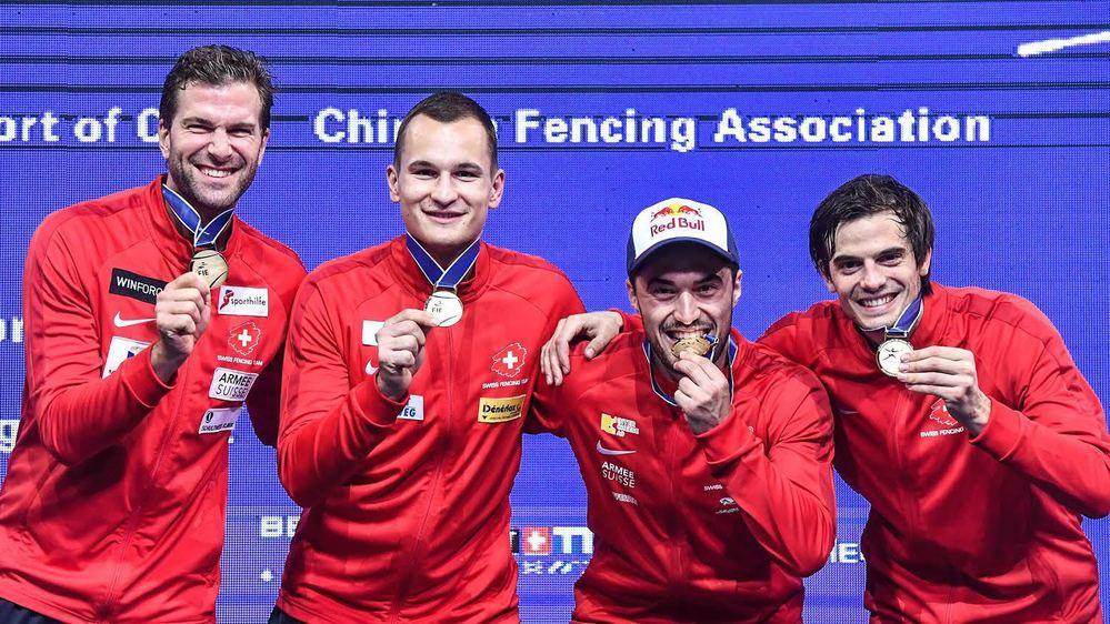 Benjamin Stefen, Lucas Malcotti, Max Heinzer et Michele Niggeler ont amené la Suisse sur le toit du monde.