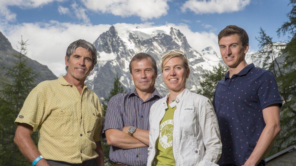 Dans le cadre de la rencontre internationale du Livre de Montagne, quatre spécialistes ont débattu sur l'approche de la montagne. De gauche à droite: François Perraudin, Grégoire Millet, Andrea Zimmermann et Johann Rossel.