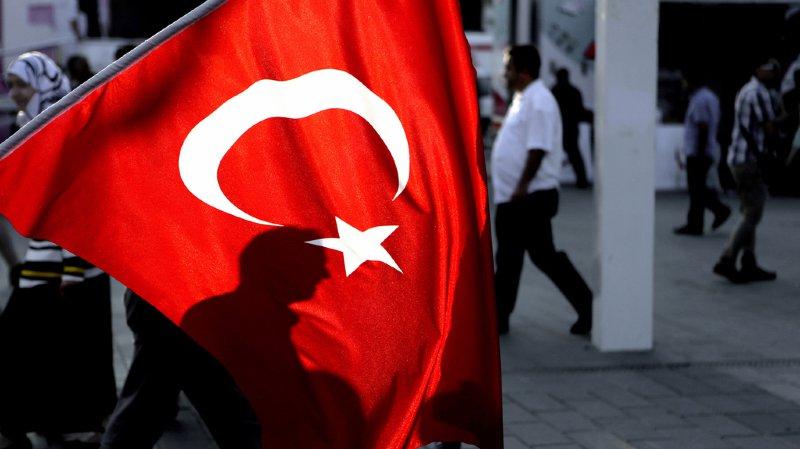 Ce procès fait partie des centaines de procédures judiciaires ouvertes après la tentative de coup d'Etat du 15 au 16 juillet 2016 mise en échec par le président Erdogan.
