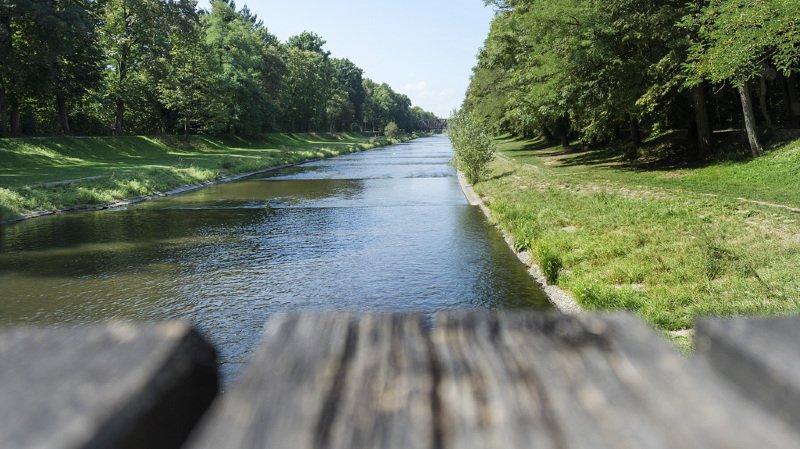 Allemagne: un Suisse se noie en voulant descendre le Rhin