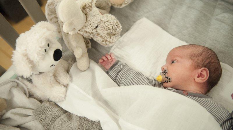 Un lien entre nourriture solide et sommeil de bébé mis en avant par une étude britannique.