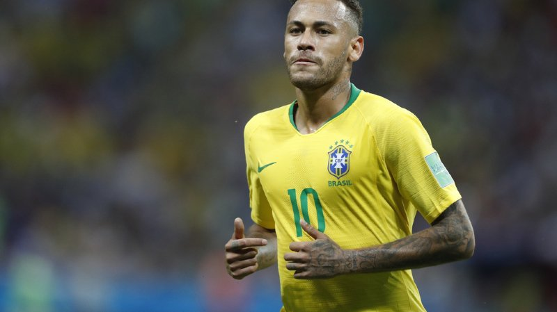 Football: Neymar restera au Paris Saint-Germain la saison prochaine