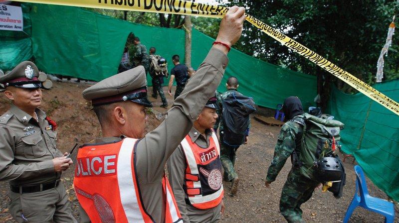 Thaïlande: quatre jeunes ont été extraits vivants de la grotte