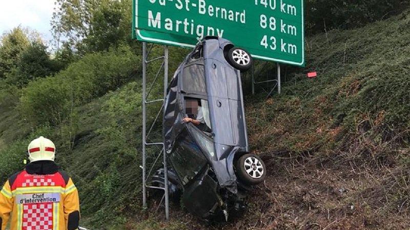L'automobiliste n'est pas blessé.