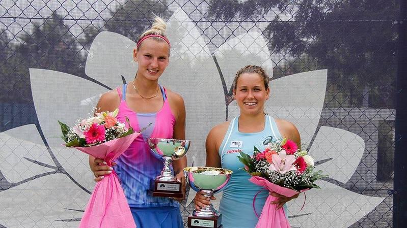 La Haut-Valaisanne (à droite) a battu Dea Herdzelas en finale.