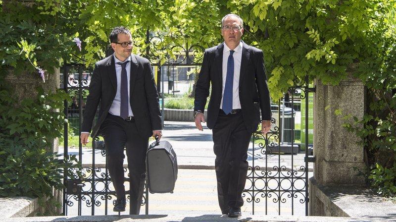 L'arrivée au palais de justice de Sion de Mes Sakkas et Oberson, les défenseurs de Dominique Giroud.
