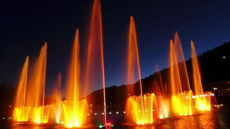 Au Lac Grenon à Crans-Montana, trois spectacles d'eau et de feu attendent le public le 1er août.