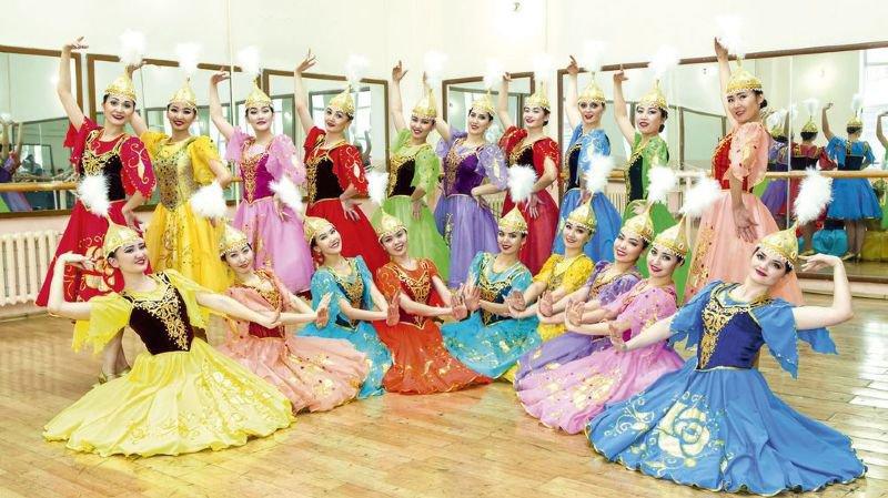 L'ensemble Akku, du Kazakhstan, est l'un des groupes engagés dans ce 17e FIFO.
