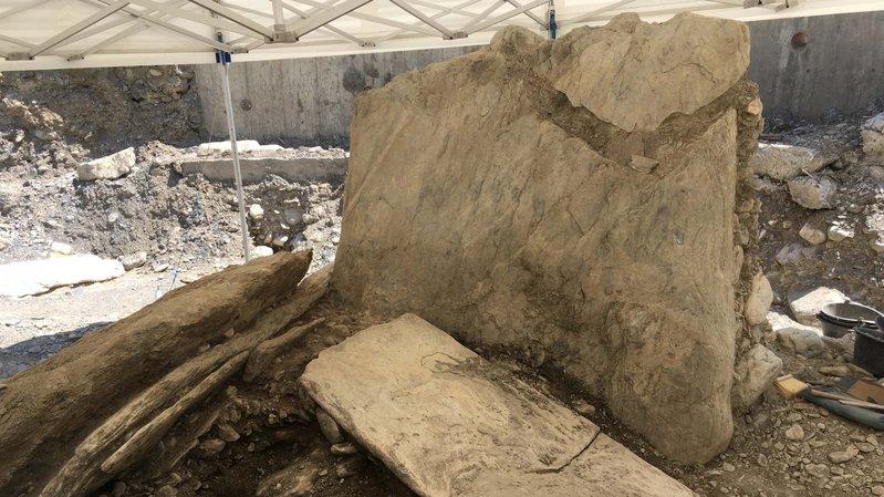 Nouvelle découverte archéologique exceptionnelle à Sion: un dolmen mis au jour à Don Bosco