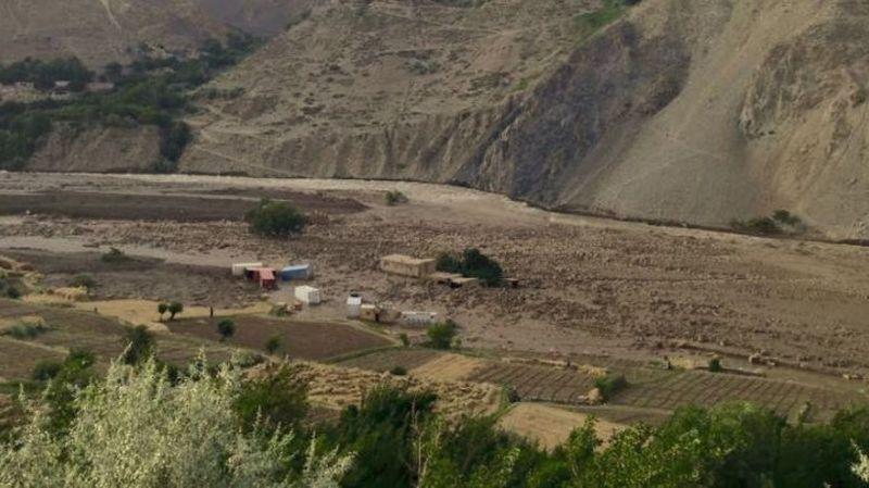 Coulée de boue en Afghanistan: au moins 10 morts, des centaines de maisons emportées