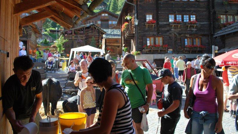 Les marchés vont animé les villages et stations tout l'été. Ici, un des fameux firongs grimentzards.
