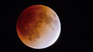 Notre tutoriel pour observer l'éclipse totale de Lune en Valais