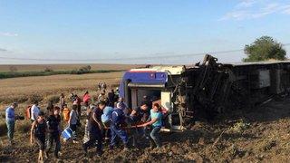 Turquie: un train déraille, le nouveau bilan monte à 24 morts