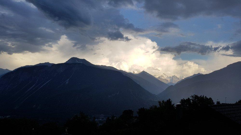 Les orages ont frappé le Valais lundi.