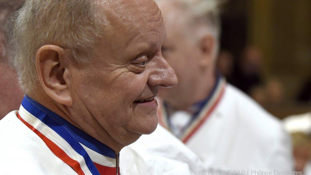 Gastronomie : les toques du monde entier s'inclinent devant Joël Robuchon