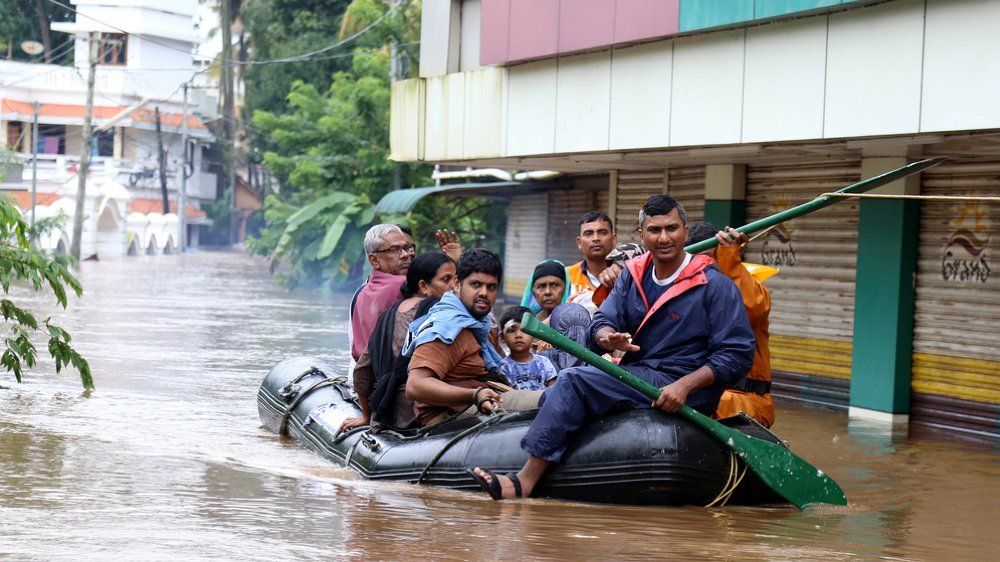 Inde: le bilan des inondations a doublé et passe à 324 morts