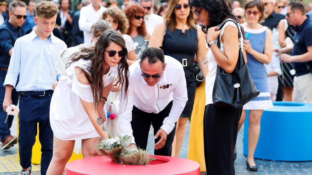 Terrorisme: un an après les attentats qui ont fait 16 morts, Barcelone se souvient
