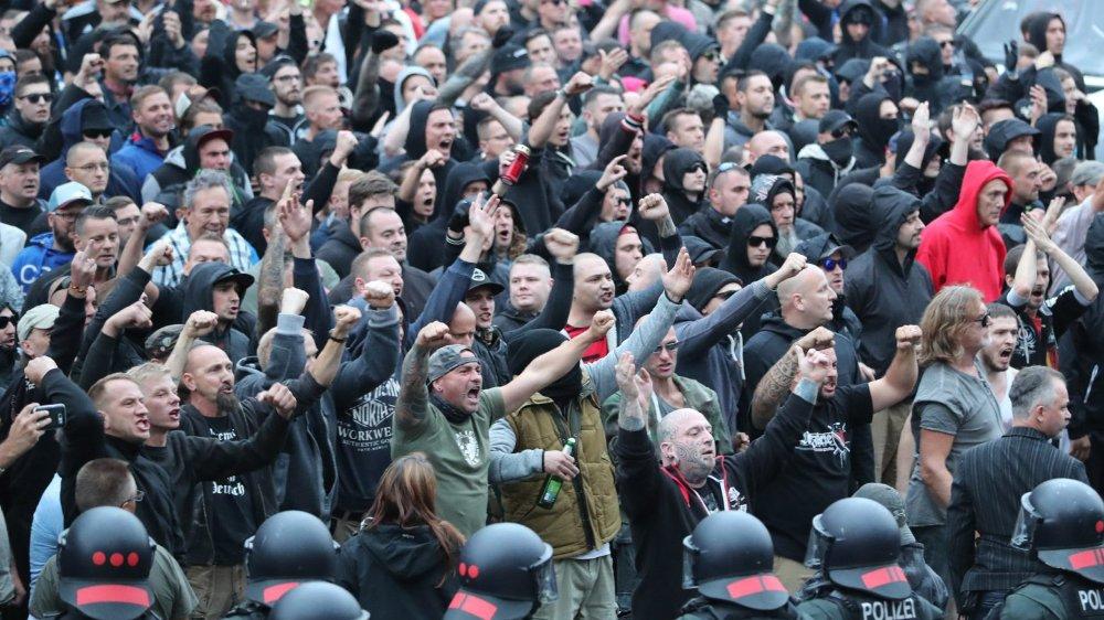 Le meurtre d'un Allemand de 35 ans a déclenché des manifestations de protestation à Chemnitz  et des «chasses à l'étranger», par des mouvements xénophobes.