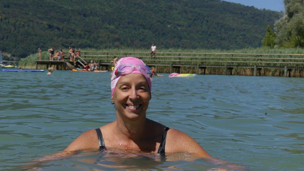 Monia Soltani fera partie des 101 nageurs à relier Saint-Gingolph à Vevey (8,4 km) samedi pour l'Aimant rose.