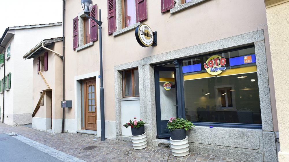 Le café de la Poste a rouvert lundi à Evionnaz. Celui du Salentin devrait faire de même cet automne.