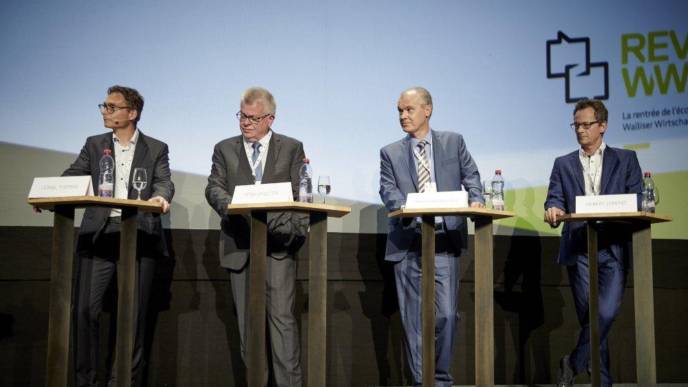 Lionel Thomas (directeur de Constellium Valais), Peter Jenelten (vice-président de Stadler Rail), Hugues- Vincent Roy (directeur de AISA) et Hubert Lorenz (directeur de Mimotec) l'ont dit jeudi soir: les entreprises veulent rester en Valais.