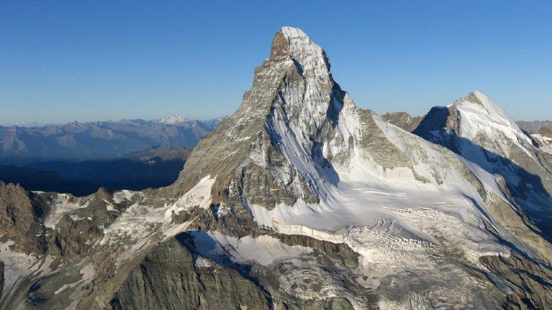 Un alpiniste italien se tue au Cervin
