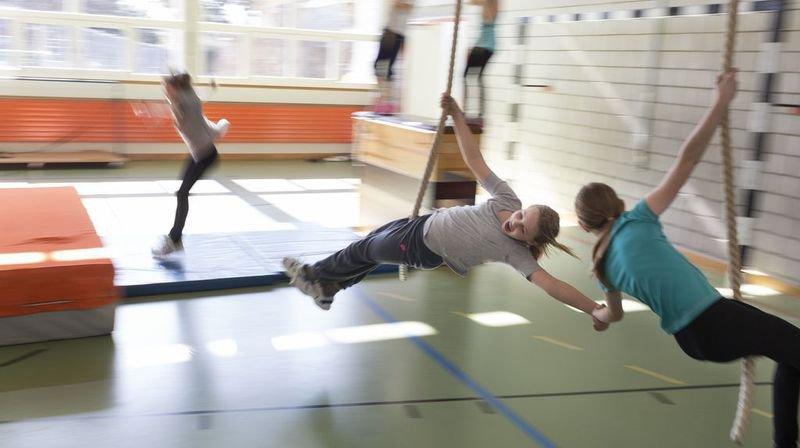 La santé des enfants et des jeunes a aussi sa place à l'école, comme ici au cours d'éducation physique.