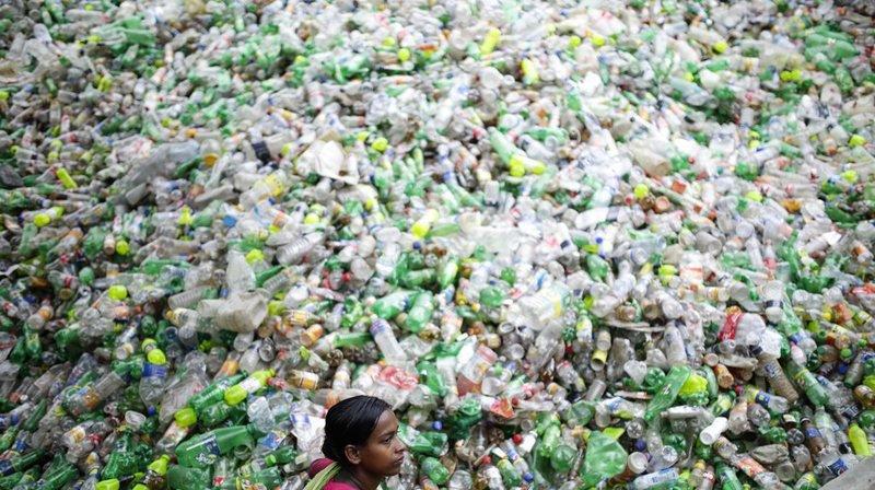 Environnement: en se dégradant le plastique libère des gaz à effet de serre
