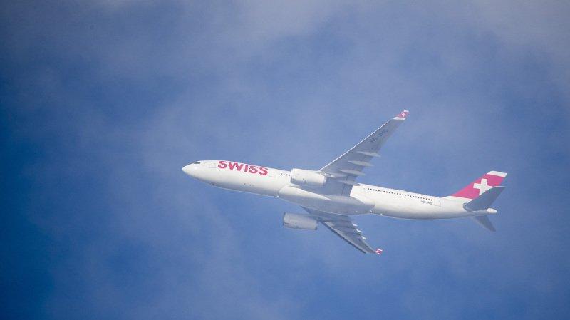 Les passagers des compagnies aériennes ne participent en rien aux coûts climatiques, bien que le trafic dans le ciel soit responsable, en Suisse, de près de 20% des émissions de gaz à effet de serre. (illustration)