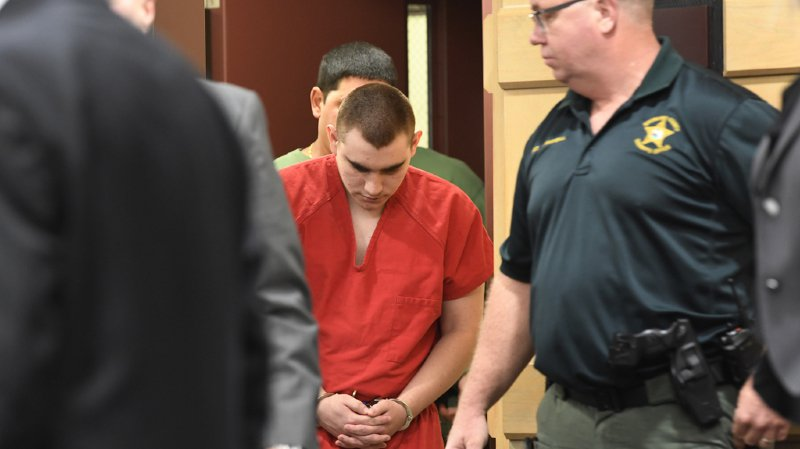 Fusillade en Floride: l'auteur du massacre de Parkland dit qu'il entendait des voix