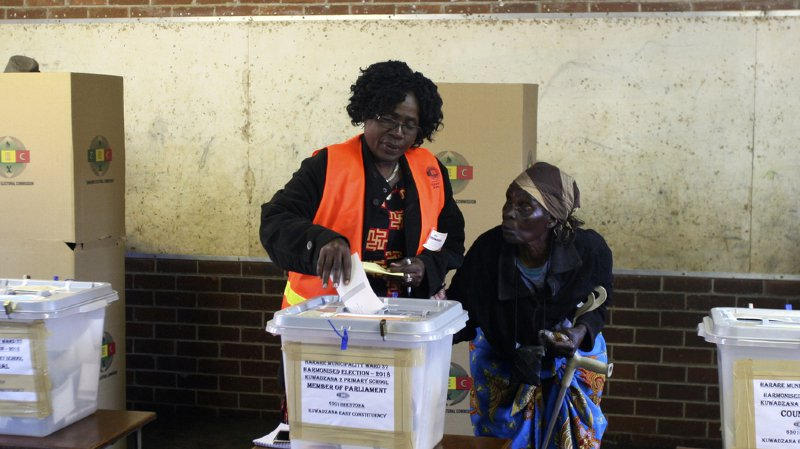 Il y a eu plus de 75% de participation au premier tour des élections.