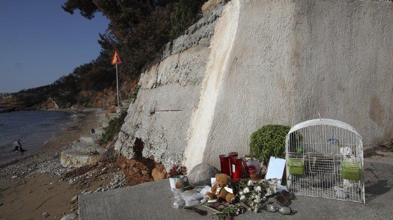 Grèce: le bilan des incendies s'alourdit à 94 morts