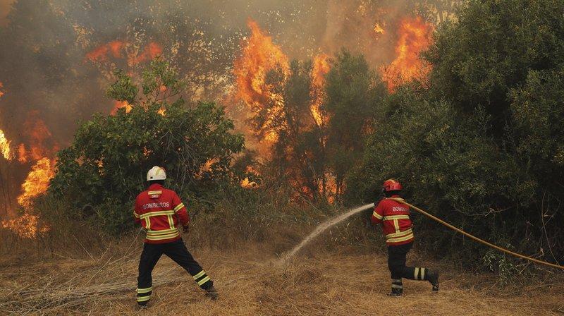 Portugal: un incendie menace une ville touristique