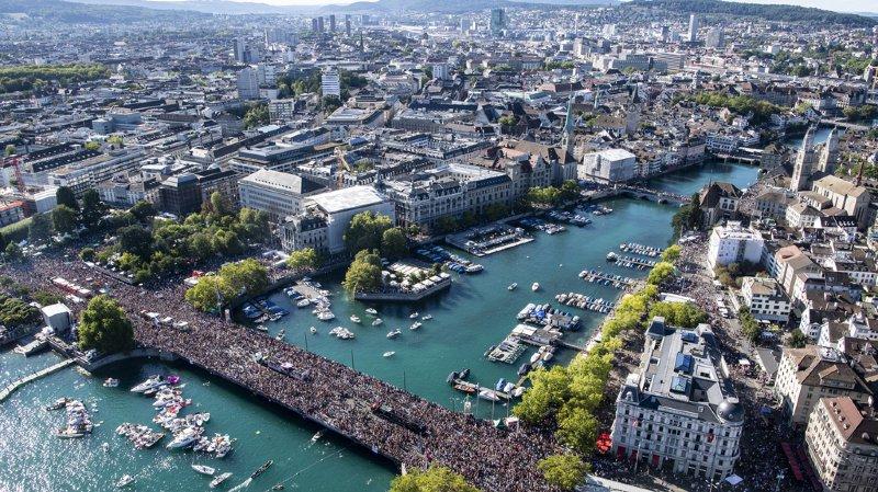 La Street Parade a réuni un million de fans de techno