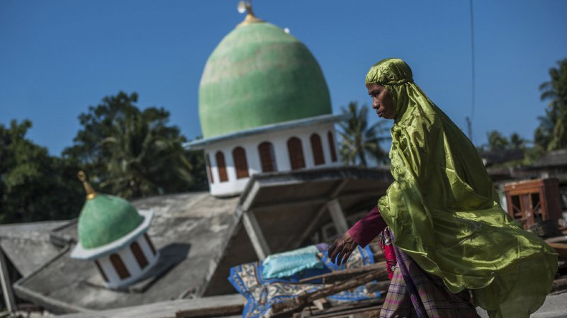 La plupart des personnes ont été tuées dans le nord de l'île de Lombok, proche de l'épicentre de la plupart des séismes.