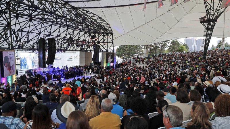 Les billets - gratuits - sont partis en l'espace de quelques minutes pour ce concert en plein air au Chene Park Amphitheatre, une enceinte de 5000 places où Aretha Franklin s'était elle-même produite.