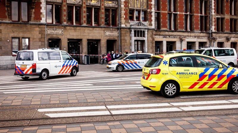Amsterdam: L'attaque au couteau de vendredi déclarée comme acte terroriste