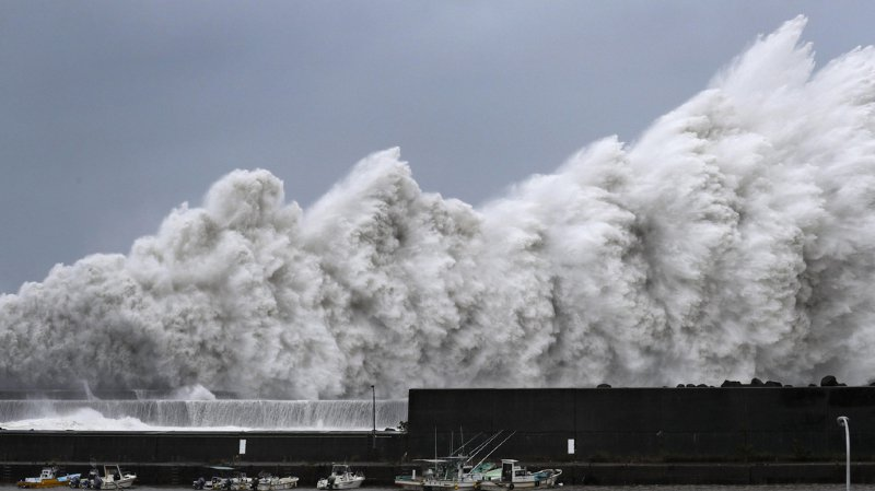 Japon: l'archipel frappé par le typhon Jebi, le plus puissant depuis 25 ans
