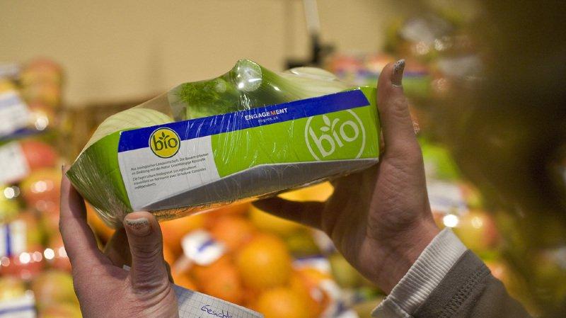 Déchets plastiques: le Conseil fédéral ne veut pas forcer les magasins à reprendre les emballages